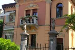 Villa-Lucina